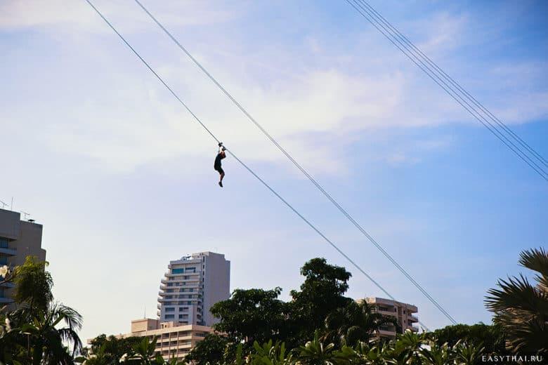 Спуск с башни Паттайи-Парк