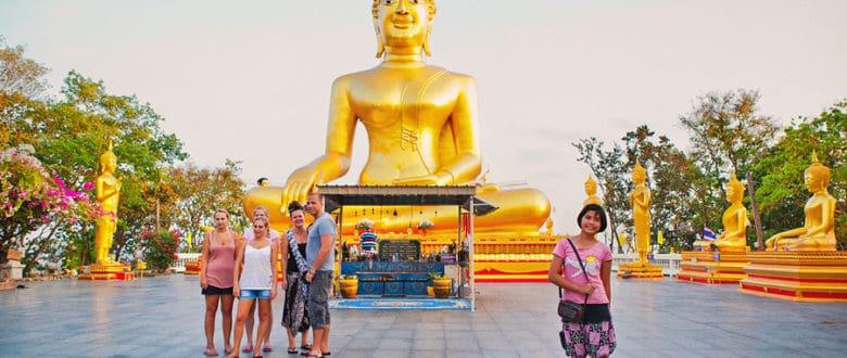 Холм Пратамнак: статуя Золотого Будды и смотровая площадка