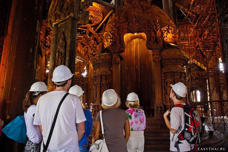 Храм Истины в Паттайе: Самый большой деревянный храм в мире, куда приходят за исполнением желаний