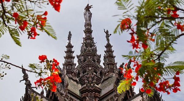 Шпиль храма Истины
