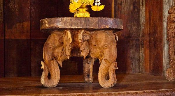 Оригинальный деревянный столик
