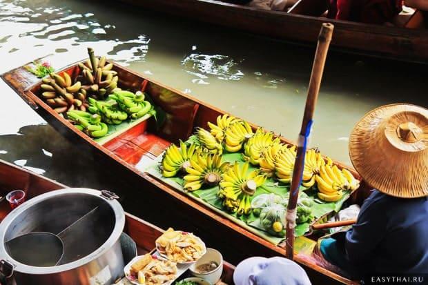 Лодочки на плавучем рынке