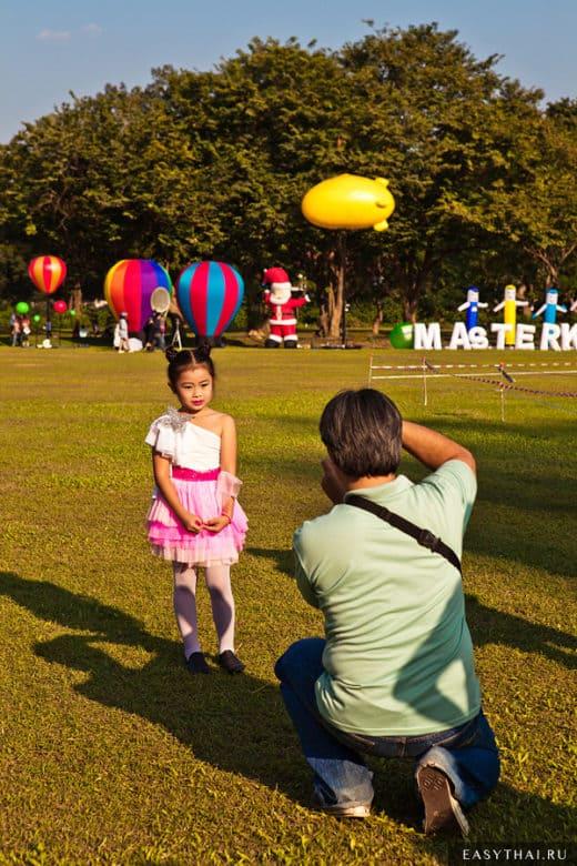 Фотограф на фестивале воздушных шаров в Чиангамае