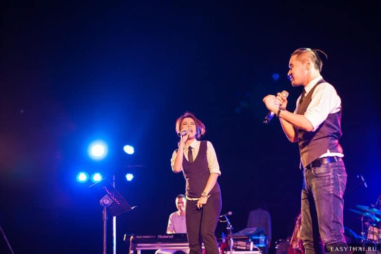 Джазовые исполнители на сцене в Чиангмае