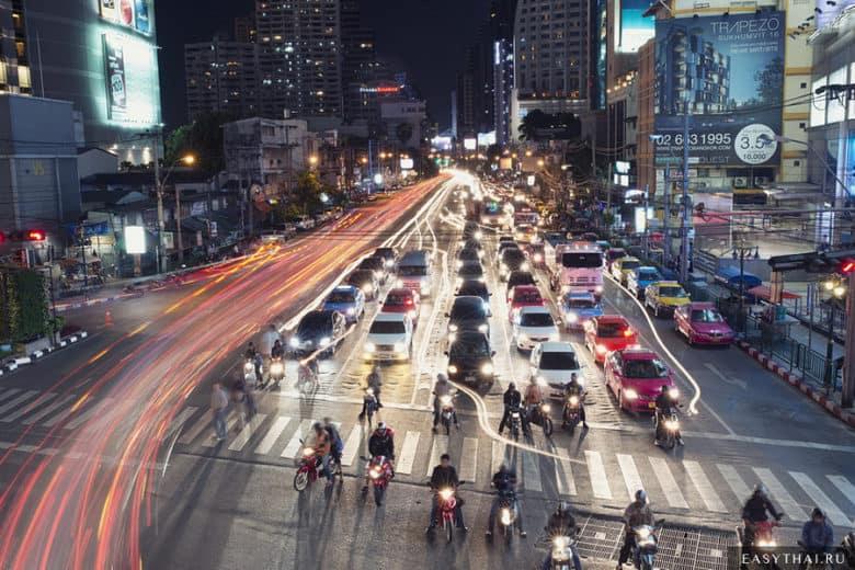 Улица Сукхумвит в Бангкоке