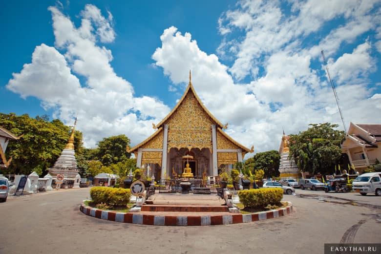 Ват Чеди Луанг (Wat Chedi Luang Wora Wiharn)