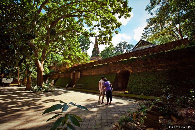 Храм Ват Умонг (Wat Umong)