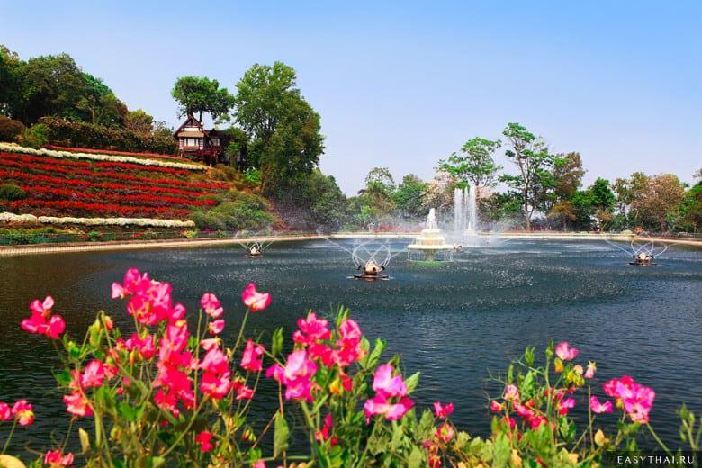 Резервуар в Bhubing Palace
